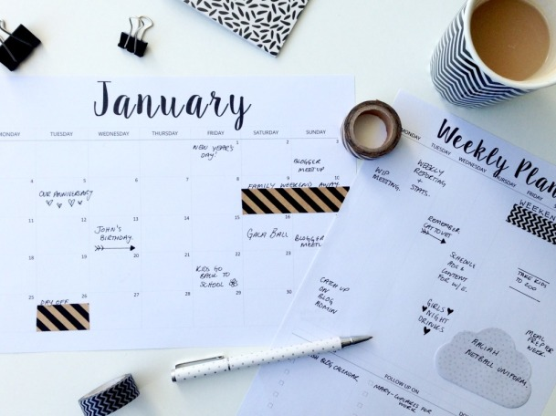 Small-Paper-Things-Free-Calenar-and-Weekly-Planning-Pages